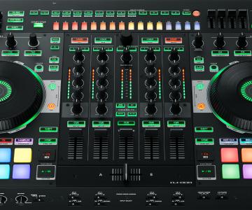 Nuevo e impresionante controlador Roland DJ 808 compatible con Serato DJ