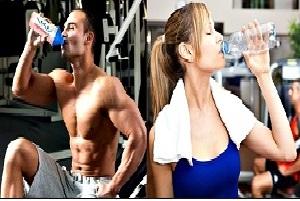 Juran que beber ocho vasos de agua hace mal
